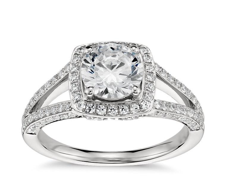 The Queen Diamond 1,00 ct Zentraldiamant + 0,48 ct Haloring in Weissgold