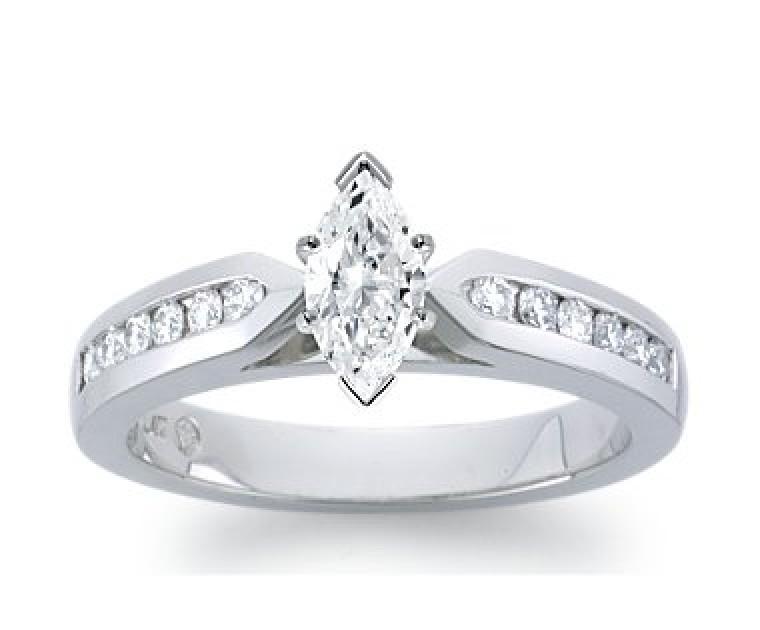 The Queen Diamond - 0,40 ct Zentraldiamant + 0,60 ct Seitensteine Diamantring in Weissgold