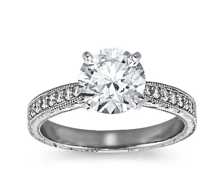 The Queen Diamond - 2,00 ct Zentraldiamant + 0,48 ct Seitensteine Diamantring in Weissgold