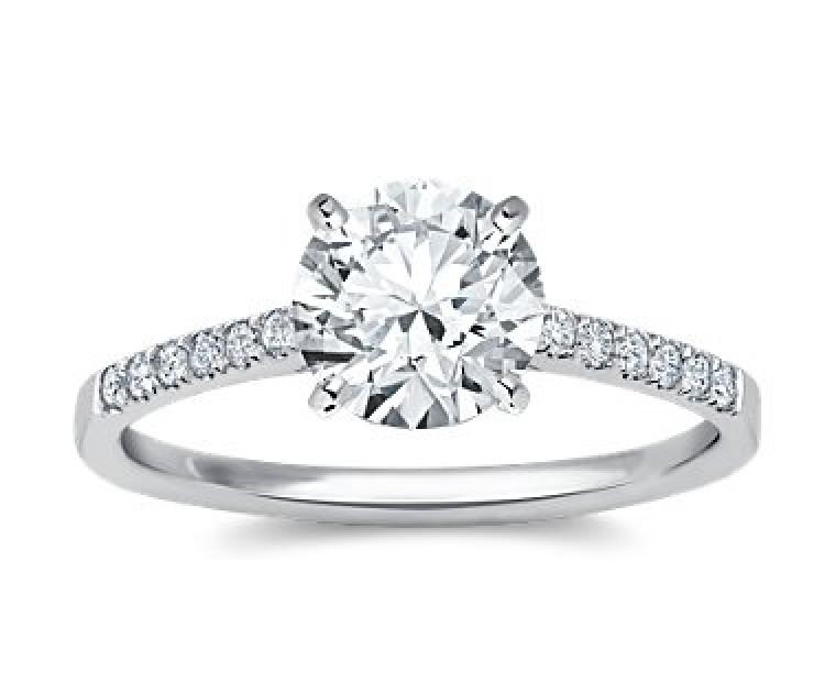 The Queen Diamond - 2,00 ct Zentraldiamant + 0,42 ct Seitensteine Diamantring in Weissgold