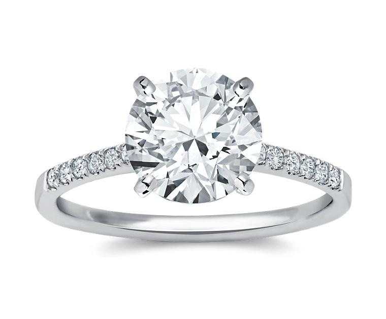 The Queen Diamond - 3,00 ct Zentraldiamant + 0,42 ct Seitensteine Diamantring in Weissgold