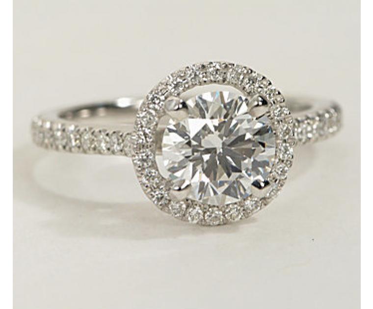 The Queen Diamond 1,00 ct Zentraldiamant + 0,30 ct Haloring in Weissgold - sofort verfügbar