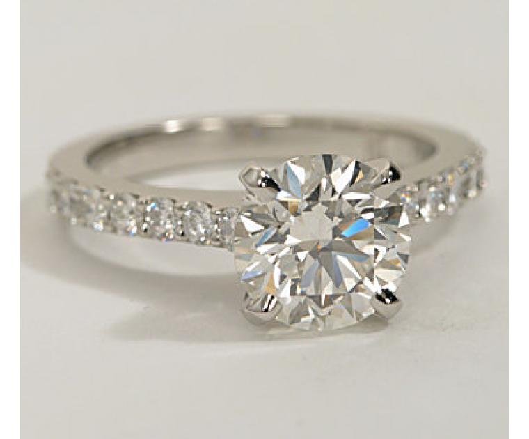 The Queen Diamond - 2,00 ct Zentraldiamant + 0,70 ct Seitensteine DIAMANTRING IN WEISSGOLD - sofort verfügbar