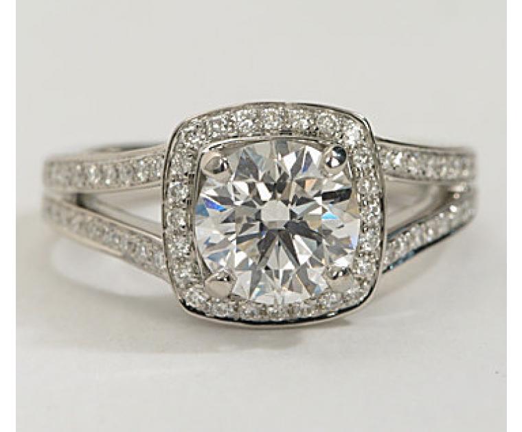 The Queen Diamond 1,00 ct Zentraldiamant + 0,48 ct Haloring in Weissgold - sofort verfügbar